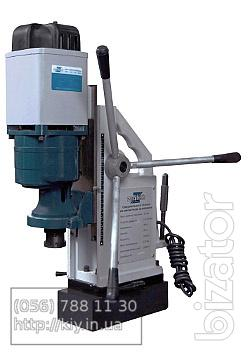 Drilling machine with magnetic base MDR-32