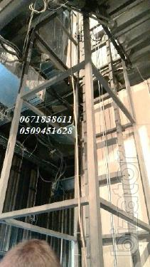 Lift-lift for food products. Lifts - elevators restaurant kitchen under the order g/p 50 kg, 100, 150, 200 kg, 250, 300 kg.