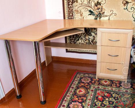 Sell Desk - computer, corner, trektoday b/a
