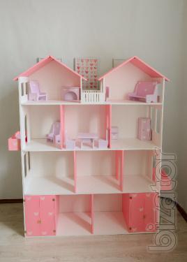 A large Dollhouse.
