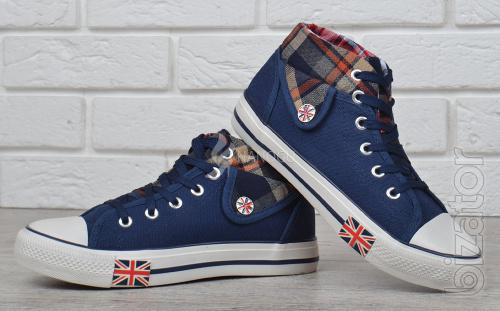 Sneakers on the platform with the flag of the plaid Burberry overpriced 2 colors