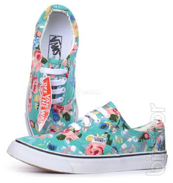 Sneakers women's flower print Vans Low Fower moonlight