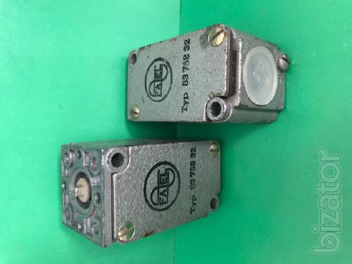 Limit switch firms FAEL Typ 758 83 02, 83 758 32 Typ (button).