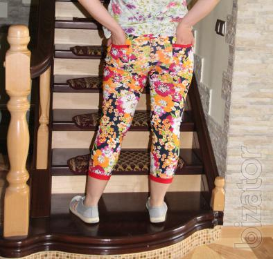 Women's Capri with bright patterns