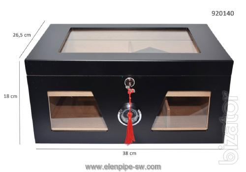Boxes humidors to store cigars