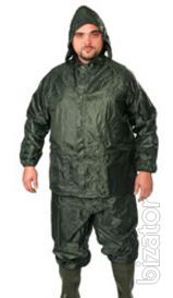 Men's suit for protection from water