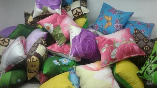 The pillow is made of silicone 60x60, 70x70