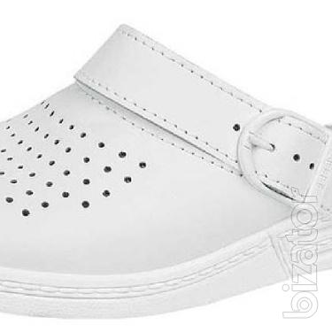 Clogs perforated