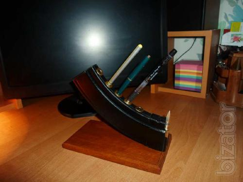 Inexpensive stand for pens and pencils Kalashnikov