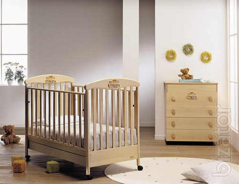 Italian furniture for children's rooms: cots, beds, changing tables, cabinets, dressers, tables, chairs