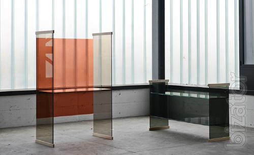 Italian glass furniture, and glass products: tables, chairs, cabinets, shelves, racks, display cases
