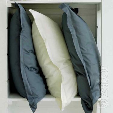 Italian textiles: fabrics, bedspreads, bed linen, curtains, bath accessories