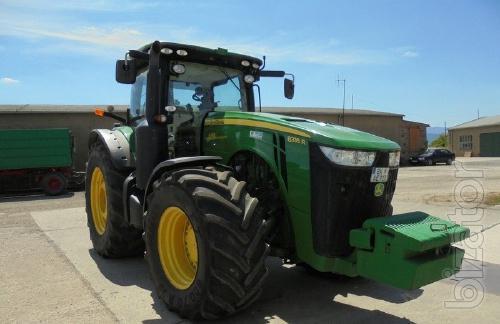 wheel tractor John Deere 8335R Year 2013 Operating 5800 m/h Power 335 HP