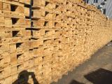 Pallets new and used in good condition. Constantly in the presence of/