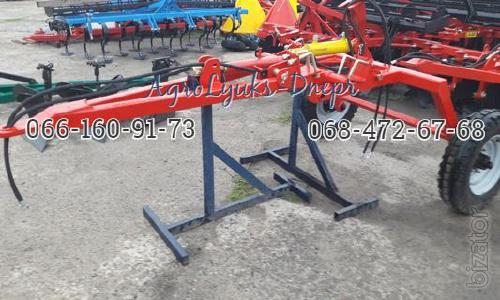 Tow hitch for mounted Disc Harrows