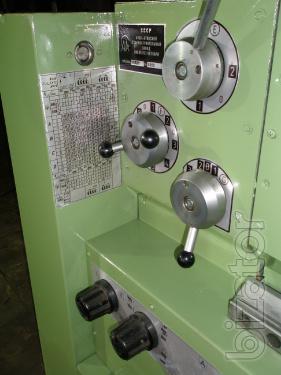 16Д25  токарно-винторезный станок