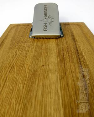 Oak Board with clip for fish cleaning station Fish Grinder