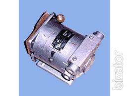 Добрый день.  Есть в наличии тахогенераторы ТМГ-30УЗ.  Новые с хранения.  Цена 1500руб/шт.