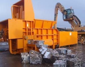 Press baling Leopard for scrap, metal waste