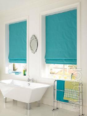 Eaves Roman blinds