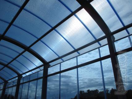Energy-efficient multi-layer polycarbonate Marlon England