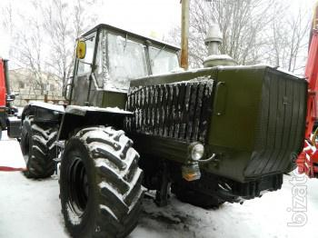 Tractor T-150 - with storage