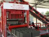 Machine for the production of blocks