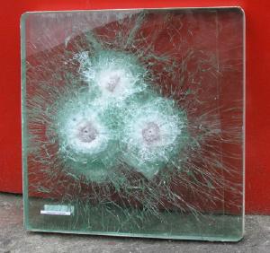 Бронированные и защитные стекла - Бронированное стекло 18 мм