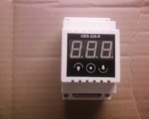 Таймеры - Таймер+Терморегулятор 2в1 UDS-220.R Тi999 10x10 DIN 220V на DIN-рейку