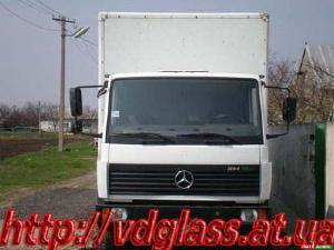 Автостекло триплекс, лобовое стекло для грузовиков Mercedes 813, 814, 812