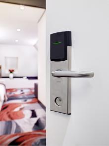 Электронные гостиничные замки Hotek