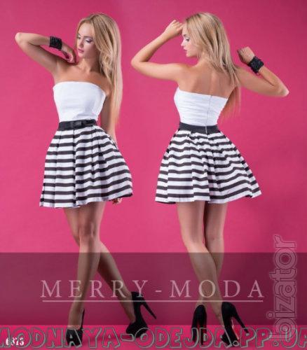 Платье короткое - Платье с юбкой в полоску
